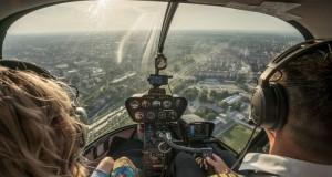 Pomysł na niecodzienny prezent – lot helikopterem nad Warszawą